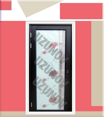 Алуминиева врата с орнаменти черна