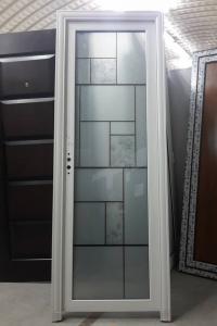 Алуминиева врата с красиви орнаменти