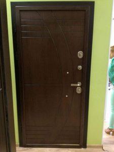 блиндирани врати с фрезовани мотиви