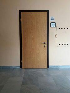входна врата за апартаменти