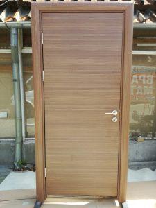 здрава интериорна врата