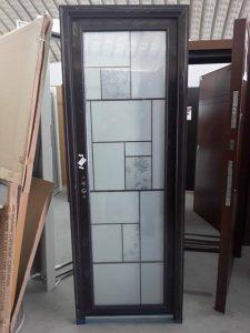 красива алуминиева стъклена врата с мотиви