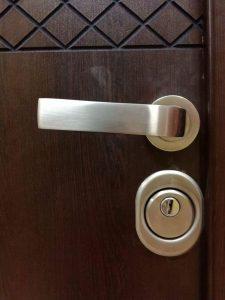 красиви дръжки за блиндирана врата