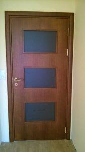 ламинирана МДФ врата със стъкло