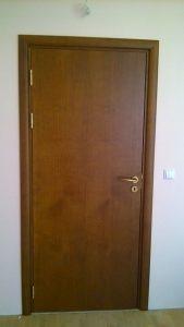 плътна ламинат МДФ интериорна врата